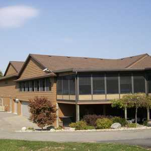 Maple Hill GC: clubhouse