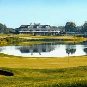 Hawk Hollow GC: clubhouse