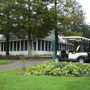Rush Lake Hills: clubhouse