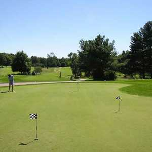Clearbrook GC: putting green
