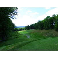 From the downhill first tee, the Rick Smith Signature at Treetops wastes littl time showing you what it's all about.