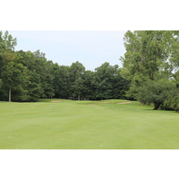 The first hole at Hawk Hollow Golf Club eases players into the round with a solid par 4.